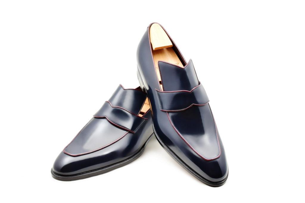 Le loafer Vega en cuir bleu