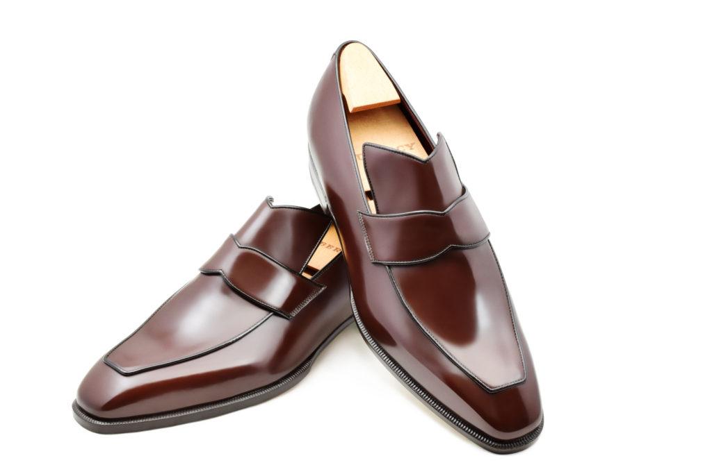 Le loafer Vega en cuir marron