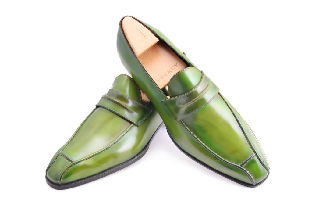 Le mocassin loafer Janus en cuir vert