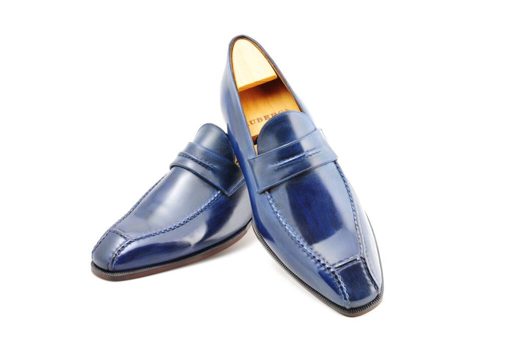 Le mocassin loafer Janus en cuir bleu